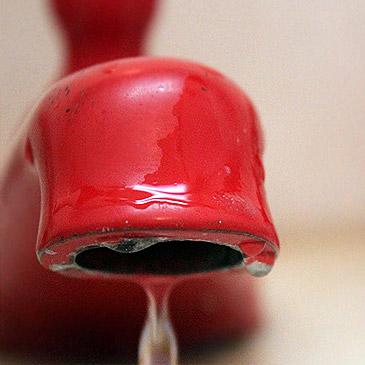 Torneira Pingando Desperdiça 46 litros de Água ao Dia
